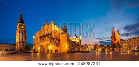 Krakow, Poland-june 2018:sukiennice  By Night,main Market Square,krakow, Poland