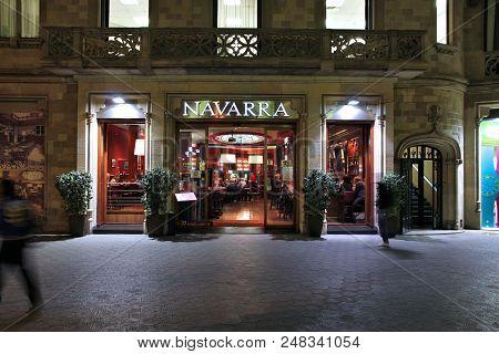 Barcelona, Spain - November 5, 2012: People Visit Navarra In Barcelona, Spain. Navarra Is A Typical