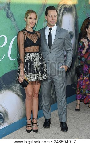 LOS ANGELES - JUN 26:  Anna Camp and Skylar Astin arrives to the HBO 'Sharp Objects' Premiere  on June 26, 2018 in Hollywood, CA
