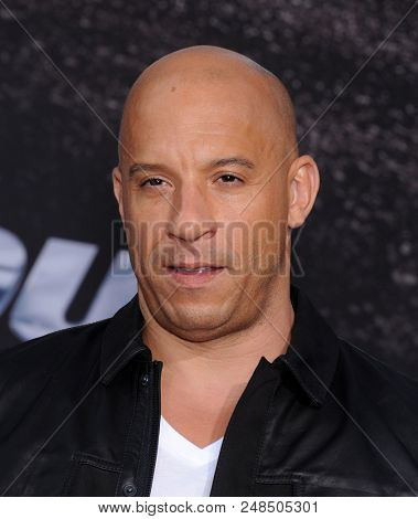 LOS ANGELES - MAY 21:  Vin Diesel arrives to the