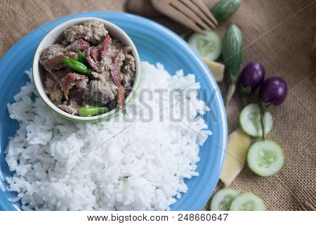 Soft Cooked Rice (thai Jasmine Rice) Served With Stew Crab Dip