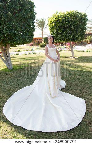 Wedding Woman. Wedding Dress Fashion For Pretty Woman. Wedding Ceremony With Pretty Woman In Beautif