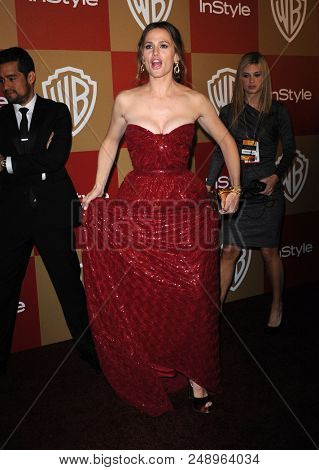 LOS ANGELES - JAN 13:  Jennifer Garner arrives to the WB/In Style Golden Globe Party  on January 13, 2013 in Hollywood, CA
