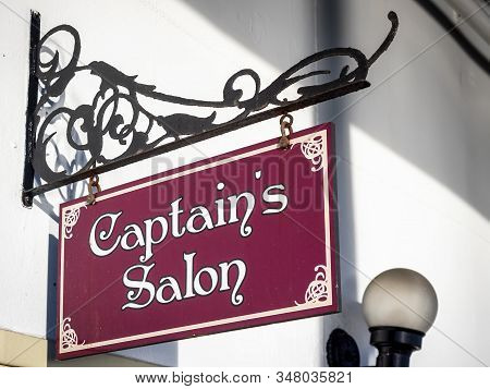 New Orleans, Usa - Dec 11, 2017: Hanging Signage Pointing To The Captains Salon Onboard The Historic