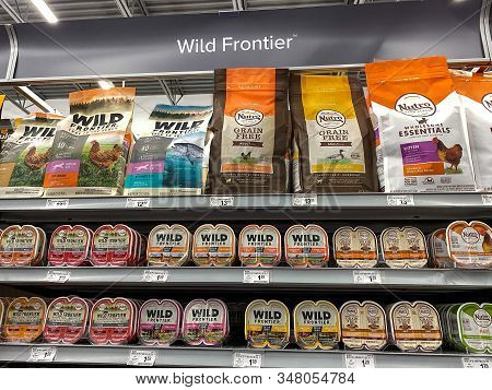 Orlando, Fl/usa-1/29/20: A Display Of Wild Frontier Cat Food At A Petsmart Superstore Ready For Pet
