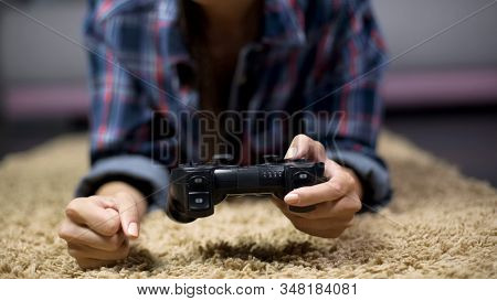 Frustrated Female Gamer Loses Another Match And Angrily Slams Fist On The Floor
