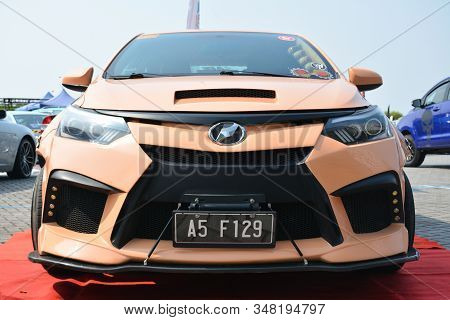 Pasay, Ph - Dec. 7: Customized Tuner Car At Bumper To Bumper 15 Car Show On December 7, 2019 In Mall