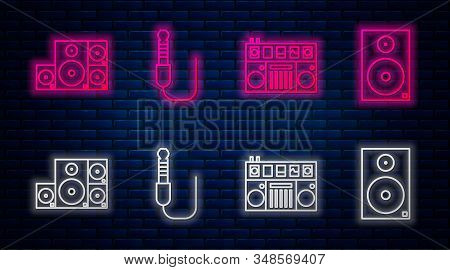 Set Line Audio Jack, Dj Remote For Playing And Mixing Music, Stereo Speaker And Stereo Speaker. Glow