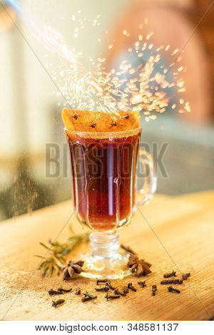 Mulled Wine With In The Glass. Mulled Wine With Wine In The Glass On The Bar