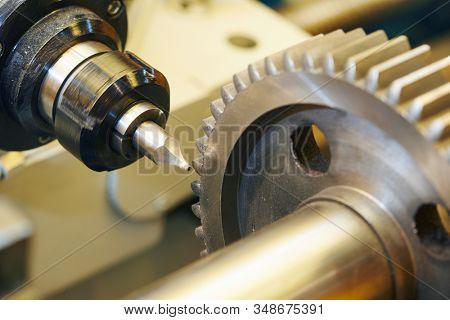 tooth gear machining in metal working industry