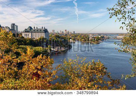 Ottawa, Ca - 9 October 2019: General View Of Ottawa River & Supreme Court Of Canada In The Autumn Se