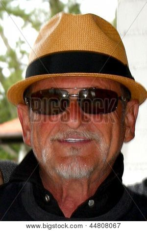 LOS ANGELES - APR 15:  Joe Pesci at the Jack Wagner Celebrity Golf Tournament benefitting the Leukemia & Lymphoma Society at the Lakeside Golf Club on April 15, 2013 in Toluca Lake, CA