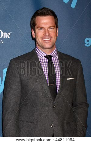 LOS ANGELES - APR 20:  Thomas Roberts arrives at the 2013 GLAAD Media Awards at the JW Marriott on April 20, 2013 in Los Angeles, CA