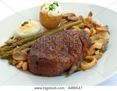 A  Tenderloin Steak Mignon  Grilled With Vegetables