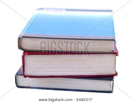 Pilas de viejos libros de texto