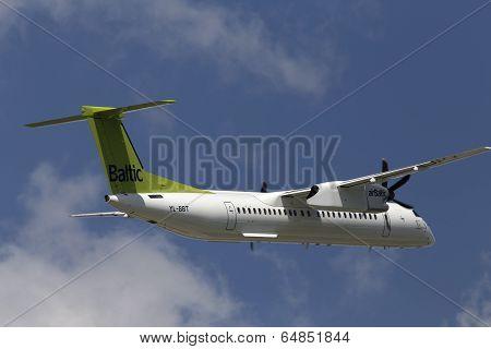 airBaltic De Havilland Canada DHC-8-402Q Dash 8 aircraft