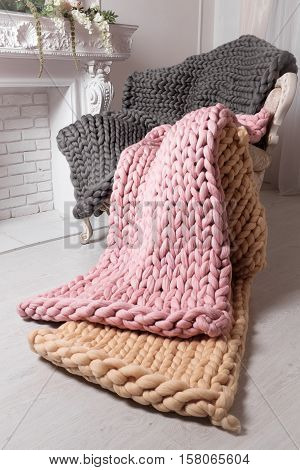 Large knit blanket s giant knit blanket super chunky yarn arm knitting