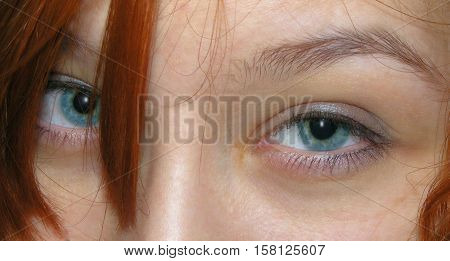 photography with scene of the glance of the girl with blue eye