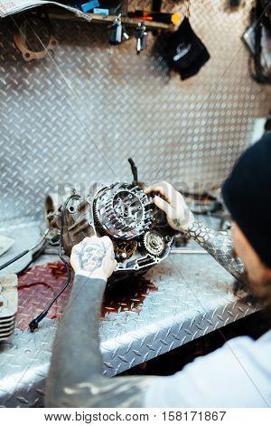 Repairing carburetor