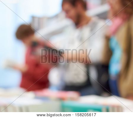 people in the bookstore or library blur background