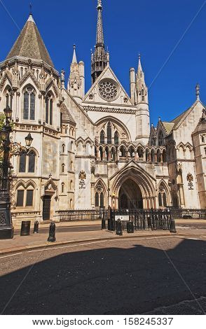 Main Entrance Of Royal Courts Of Justice In London