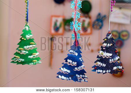 Christmas tree made of paper children's odd job