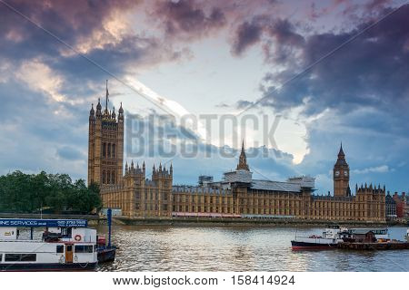 Great Britain, England, London, UK, united kingdom, business, landmark,  england, sky, westminster, Westminster Bridge, cityscape, river, travel, people, dusk, dome, walk, clouds, modern, church, reflection, city, city skyline, thames, bridge, night skyli