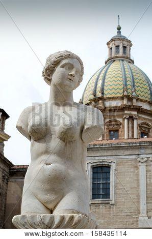 The Sculptures Of The Fontana Pretoria, By Francesco Camilliani.