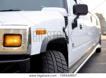 luxury car limousine for weddings and parties