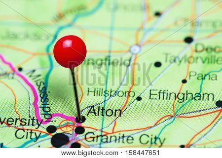 Alton pinned on a map of Illinois, USA