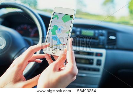 Driver Using Navigator