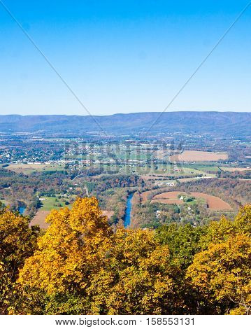 Shenandoah River Bends on a bright fall day