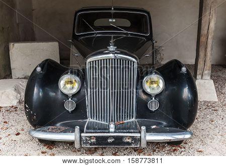 Old Black Bentley Mark Vi Luxury Car