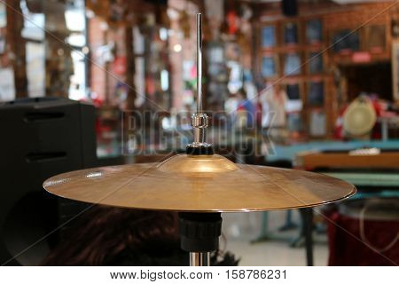 photo drum cymbals blurred background band plate
