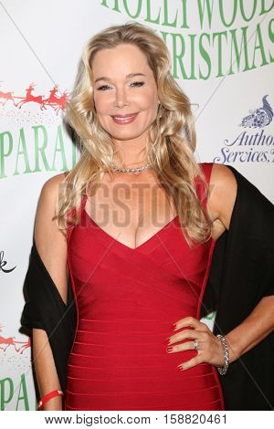 LOS ANGELES - NOV 27:  Jennifer Gareis at the 85th Annual Hollywood Christmas Parade at Hollywood Boulevard on November 27, 2016 in Los Angeles, CA