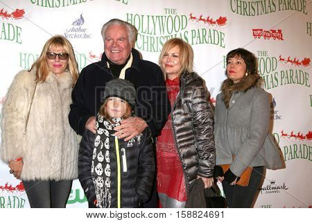 LOS ANGELES - NOV 27: Courtney Wagner, Robert Wagner, Riley Wagner-Lewis, K Wagner, Natasha Gregson Wagner at the Hollywood Christmas Parade on Hollywood Blvd on November 27, 2016 in Los Angeles, CA