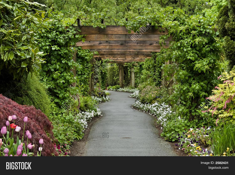 Garden Trestle Path