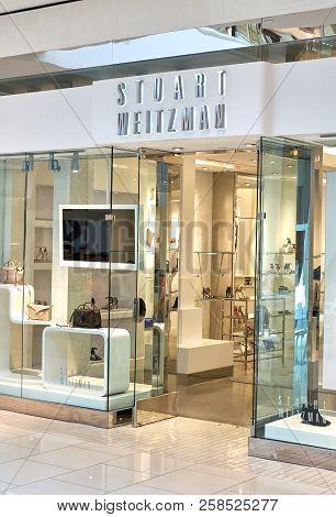 Aventura, Usa - August 23, 2018: Stuart Weitzman Famous Boutique In Aventura Mall. Stuart Weitzman I