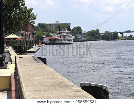 Riverwalk On Cape Fear In Wilmington Nc