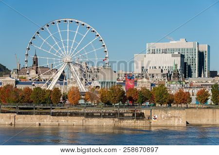 Montreal, Canada - 12 October 2017: Montreal Giant Ferris Wheel In The Old Port Of Montreal, Quebec,
