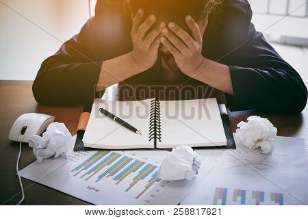 Business People  Is Stressed  Be Unemployed , Business Concept