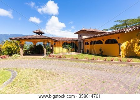 Orosi Costa Rica March 17 Luxury Colorful Residence Sited In The Hills Of Orosi Village In Central C