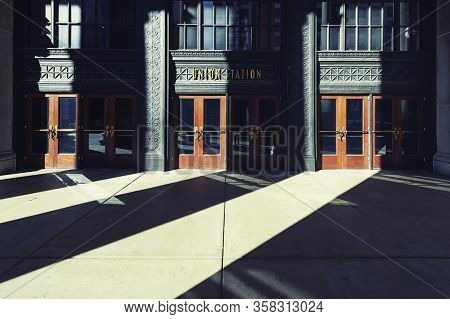 Chicago, Usa: October 13, 2018- Union Station Entrance In Chicago, Usa