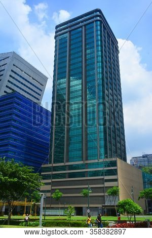 Taguig, Ph- Oct. 1: Skyscraper Building Facade On October 1, 2016 In Bonifacio Global City, Taguig,