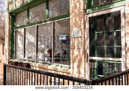 Pittsburgh, Pennsylvania, Usa 3/29/20 Shadows From Trees Upon The Point Breeze Beauty Salon In The P