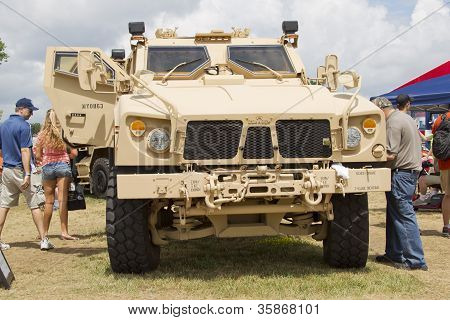 Oshkosh Humvee