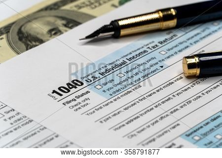 United States American Irs Internal Revenue Service Income Tax Filing Form 1040 For Revenue