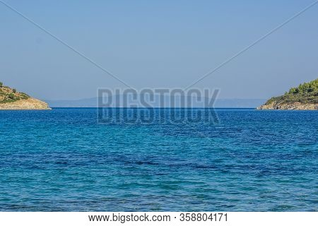 Picturesque Symmetry Tropic Scenic Landscape With Islands Coast On Both Sides Of Photography And Viv