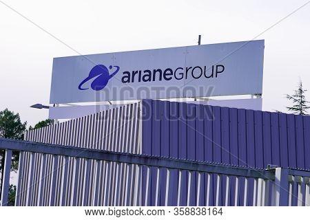 Bordeaux , Aquitaine / France - 10 30 2019 : Ariane Grouplogo Sign Office Conquest Exploration Space