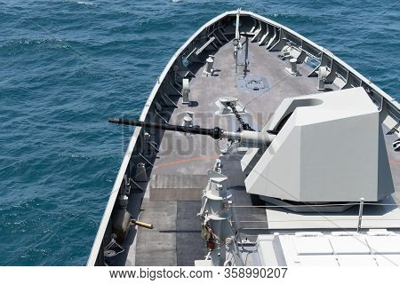 High Technology Modern Naval Main Gun Mounted On The Stealth Frigate Warship Use For Naval Warfare,